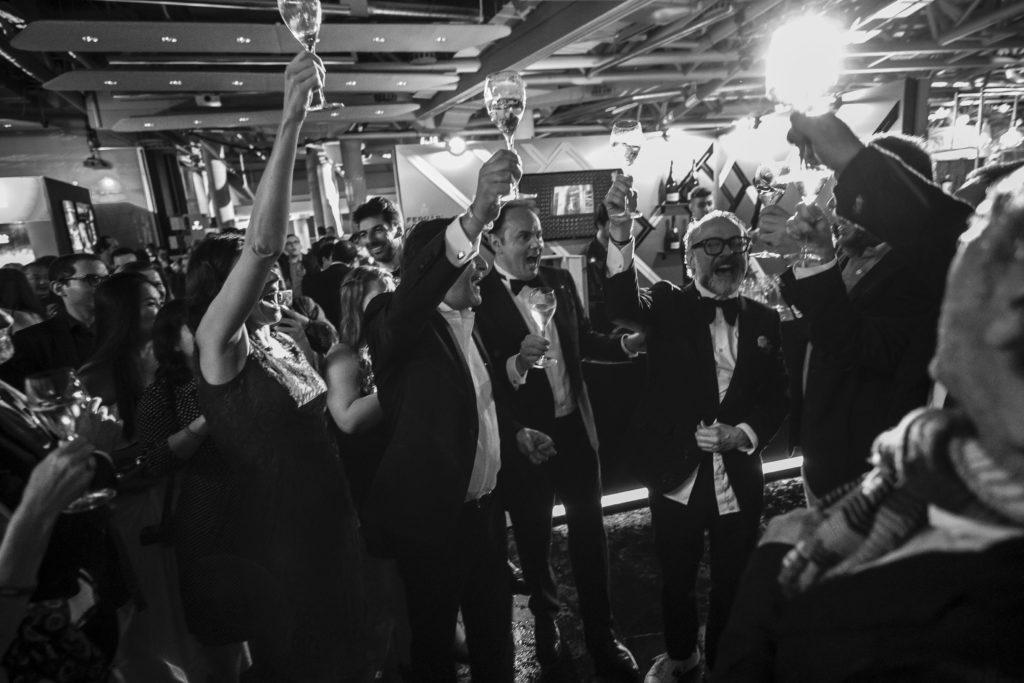 Massimo Bottura ha festeggiato con Ferrari, ieri sera a Bilbao, il titolo di migliore ristorante al mondo secondo il panel di oltre 1000 votanti di The World's 50 Best Restaurants