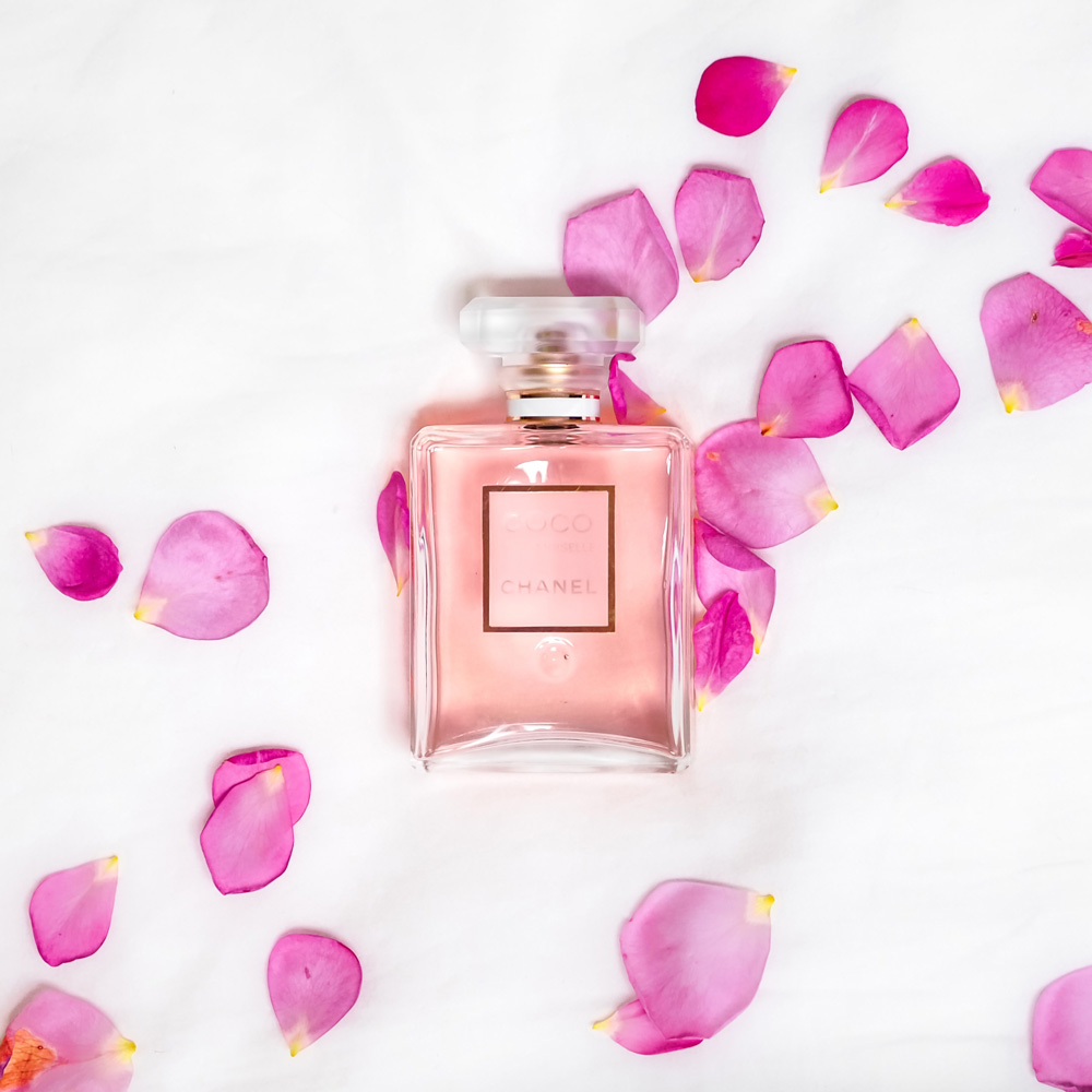 profumo con petali